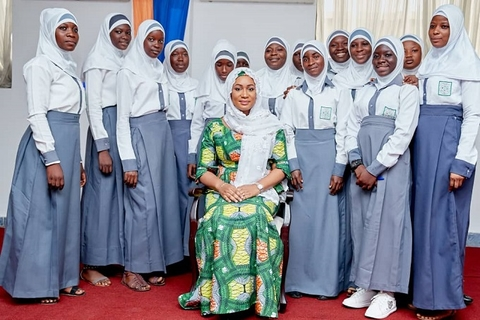 Juniour High School  Mentees with their Mentor HE Samira Bawumia