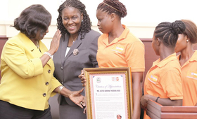 Kakayei presenting thier citation to the  CJ