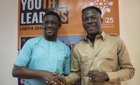 Stonebwoy and UNFPA Representative Niyi Ojuolape.